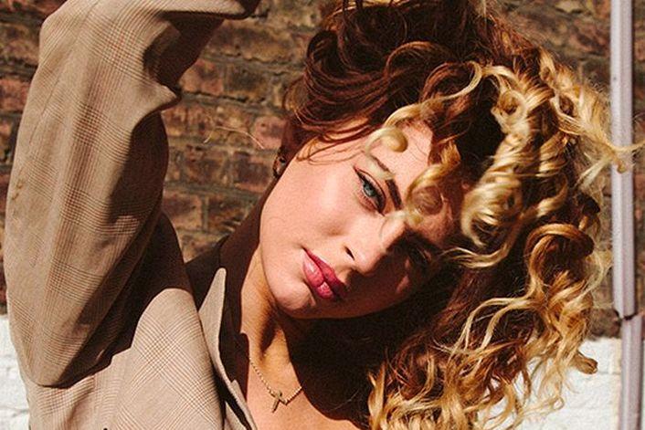 Amber Van Day booking agent BnMusic