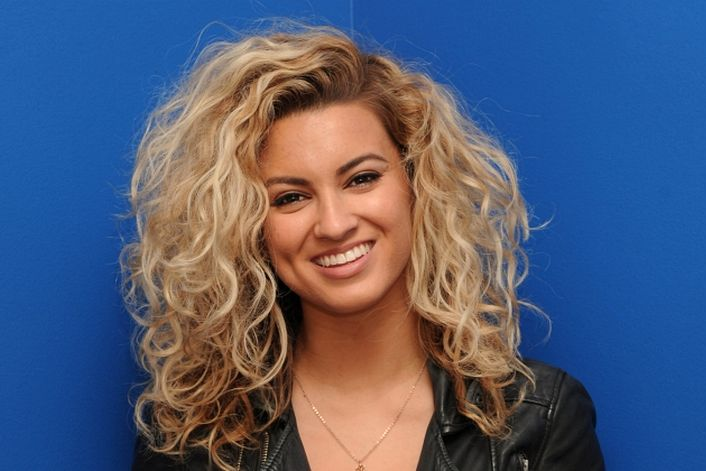 Tori Kelly official website of booking agent