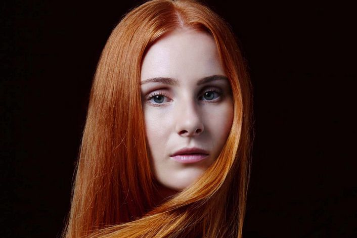 Vera Blue official website of booking agent
